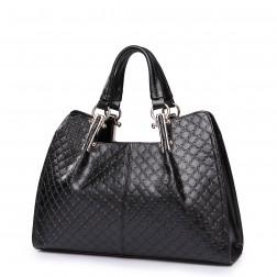 Women's elegant shoulder bag black